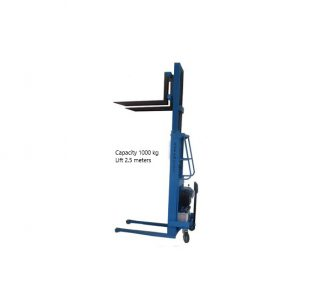 1000 Kg Capacity Lift with Height of 2.5 meteres